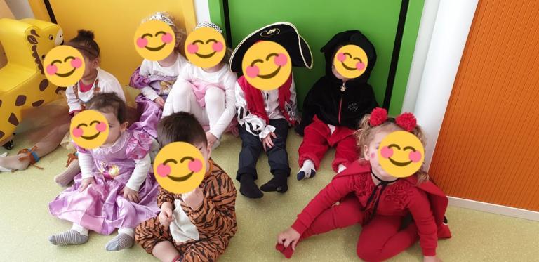 Les enfants au carnaval